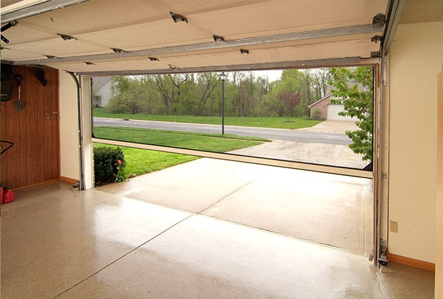 Retractable screens for patios stoett for Retractable patio screens