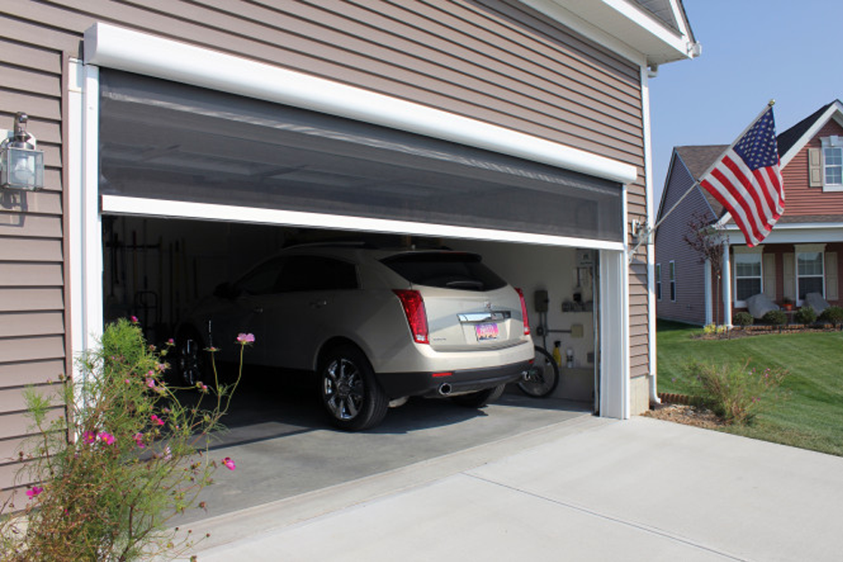 Panorama Retractable Garage Screen